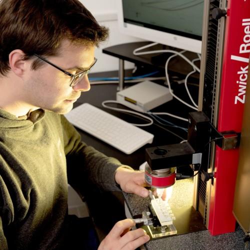 Powerful Miniature Actuators with Shape Memory   Memetis